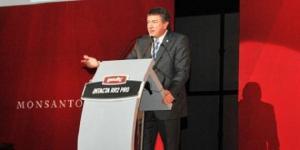 Ministro de Agricultura, Norberto Yahuar, en la presentación de la nueva semilla de Monsanto.